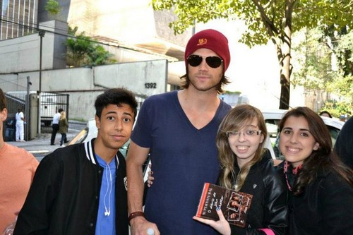 Jared and his Brazilian fãs