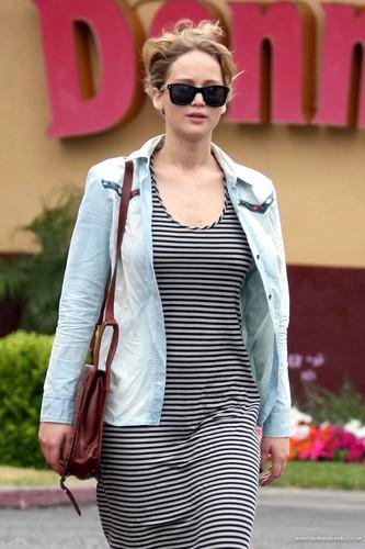 Jen at Denny's Restaurant in Santa Monica, June 13th 2012. [HQ]