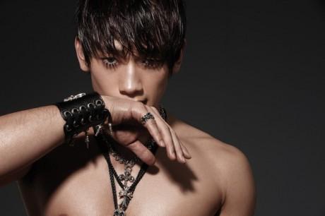http://images5.fanpop.com/image/photos/31100000/Jung-Ji-Hoon-Bi-Rain-kpop-31174046-460-306.jpg