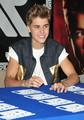 Justin Bieber Signing @ J&R in NYC - justin-bieber photo