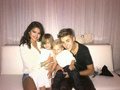 Justin & Selena with Jaxon and jazzy at MMVAS