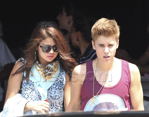 Justin and Selena Helicopter Ride in Canada
