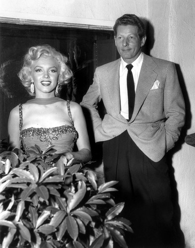 marilyn monroe fondo de pantalla probably with a bridesmaid titled Marilyn Monroe and Danny Kaye