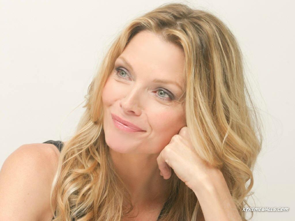 Michelle Pfeiffer - Michelle Pfeiffer Wallpaper (31140502) - Fanpop