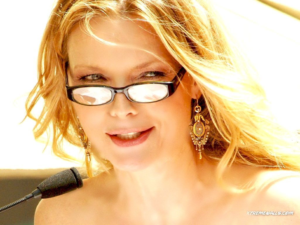 Michelle pfeiffer images michelle pfeiffer hd wallpaper and background