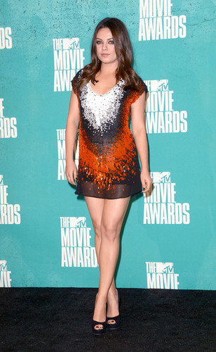 Mila Kunis @ 2012 엠티비 Movie Awards