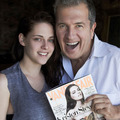 New pic of Kristen with Mario Testino.