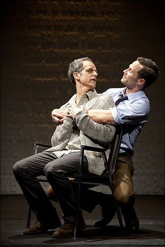 Patrick Breen, Patricia Wettig, Luke MacFarlane and 더 많이 별, 스타 in The Normal 심장 at Arena Stage