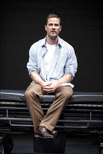 Patrick Breen, Patricia Wettig, Luke MacFarlane and Mehr star, sterne in The Normal herz at Arena Stage