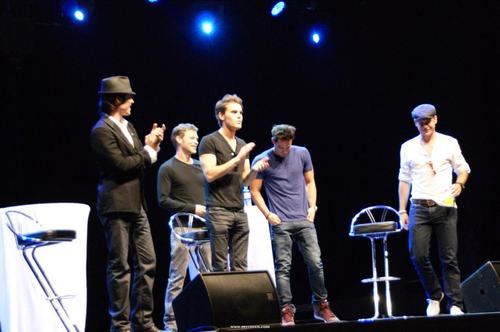 Paul & Ian at the Crimson Sky Convention in Vienna (June 16)