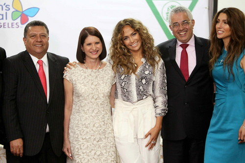Presents Her Foundation 'Lopez Family Foundation' At Hospital Del Nino Clinic In Panama City[12June]