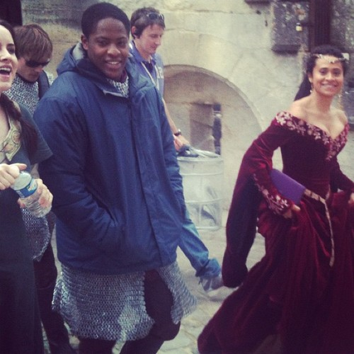 Arthur and Gwen wallpaper possibly with a kirtle, a cloak, and a surcoat called Queen Guinevere Pendragon - S5! YES! YES! YES!