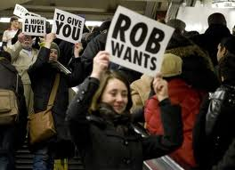 Rob wants to give آپ a high 5!
