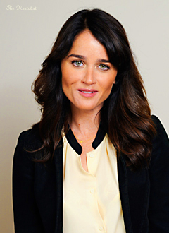 Robin Tunney is Japão
