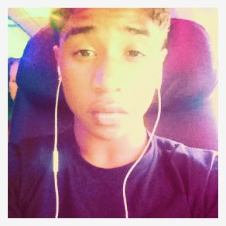 Roc listening to the Musica