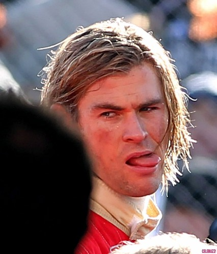 Rush - Chris Hemsworth On Set foto