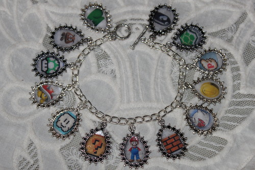 SUPER MARIO BROTHERS charm bracelet