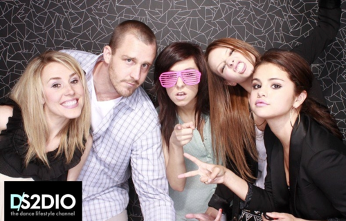 Selena - At the DS2DIO Launch Party - June 14, 2012