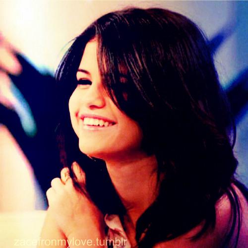 Selena Gomez Like ♥