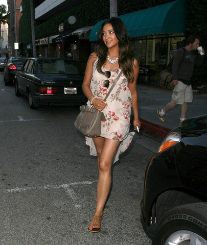 Shay Mitchell Gets Her Nails Done