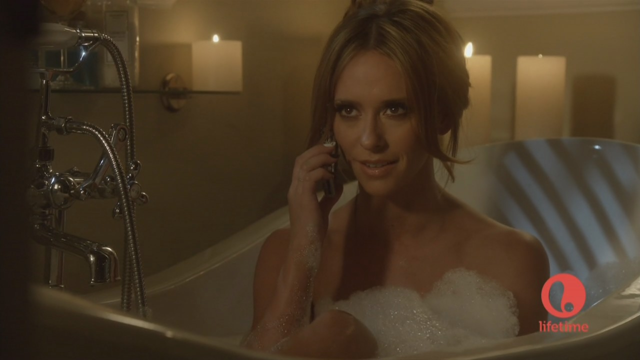 mostrando Her Cleavage And Taking A Bath In The Client lista