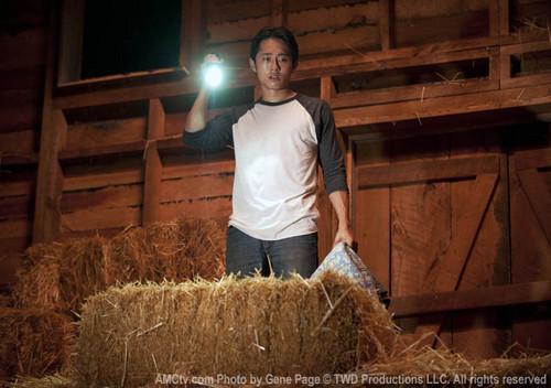 Steven Yeun karatasi la kupamba ukuta entitled Steven Yeun Walking Dead