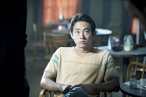 Steven Yeun karatasi la kupamba ukuta possibly with a brasserie entitled Steven Yeun Walking Dead