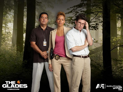 The Glades wallpaper with a street called The Glades Cast