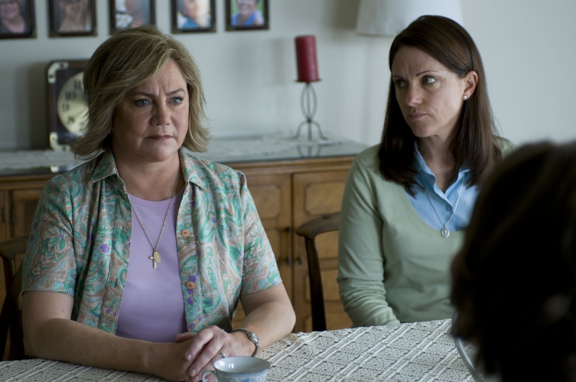 the perfect family The perfect family stars kathleen turner as suburban mother and devout catholic eileen cleary, who has always kept up appearances when she runs for the catholic woman of the year title at her.