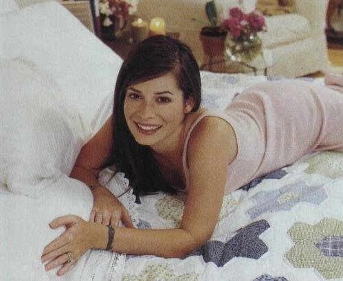 holly marie combs - charmed Photo