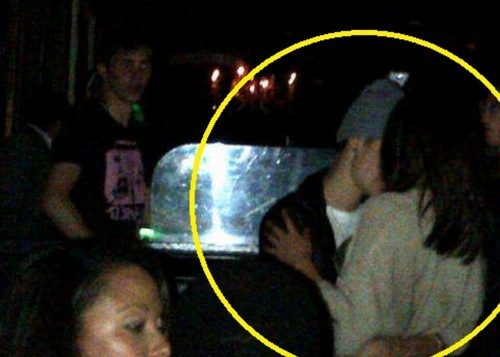justin & Selena at club - justin-bieber Photo