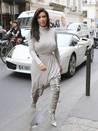Kim Kardashian images kim kardashian pics with kanye west in paris wallpaper and background photos