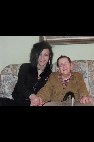 Andy Sixx Hintergrund probably containing a Fernsehen receiver titled <3*<3*<3*<3*<3Andy &His Grandpa Urban Flanders<3*<3*<3*<3*<3