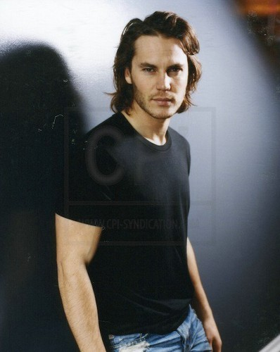  Taylor - Cosmopolitan Photoshoot  - taylor-kitsch Photo