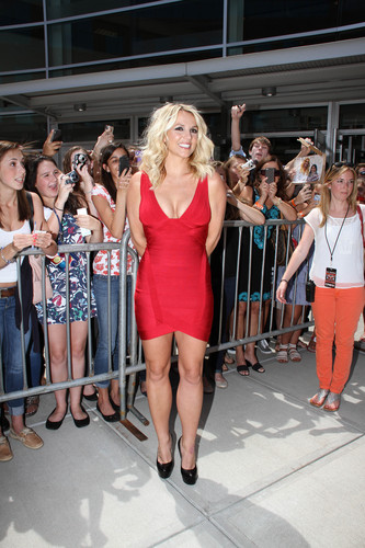 'The X Factor' Season 2 Auditions At The Dunkin Donuts Center In Providence [27 June 2012] - britney-spears Photo