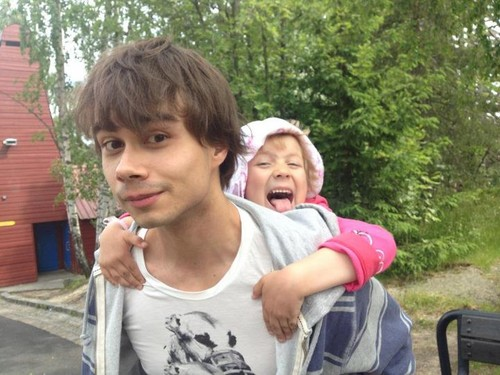 Alex and his niese  - alexander-rybak Photo