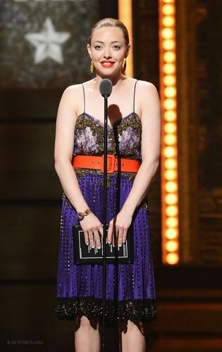 Amanda at the 66th Annual Tony Awards tampil - tampil {10/06/12}