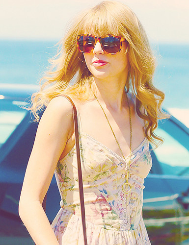 Amazing Taylor - taylor-swift Photo
