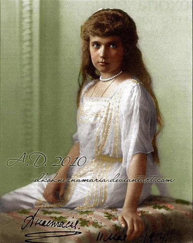 真假公主 Nikolayevna colourised 照片