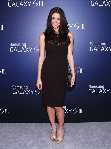 Ashley hosts the Samsung Galaxy SIII Launch party - Arrivals. {20/06/12}