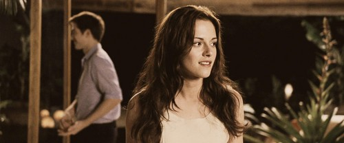 Bella schwan Hintergrund containing a portrait called Bella - Breaking Dawn Part 1