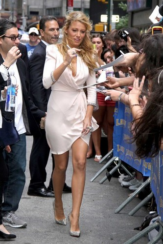Blake Lively visiting 'The Late toon with David Letterman'