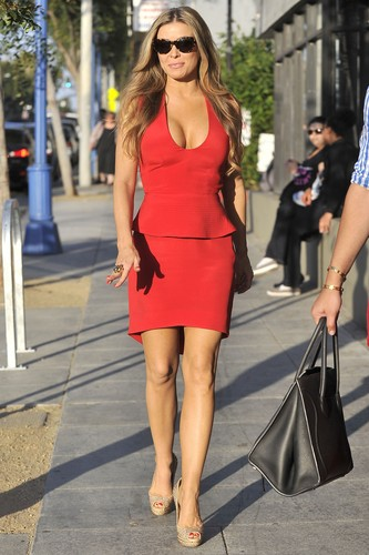 Cleavy On Way To Hamburger Marys In West Hollywood [20 June 2012]