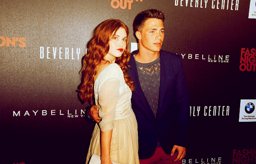 Colton Haynes wallpaper with a dinner dress entitled Colton