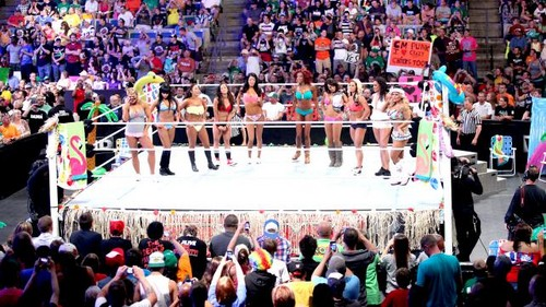 DIVAS SUMMERTIME plage BATTLE ROYAL