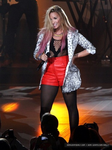 Demi - Summer Tour (2012) - PNC Bank Arts Center Holmdel, New Jersey - June 22, 2012