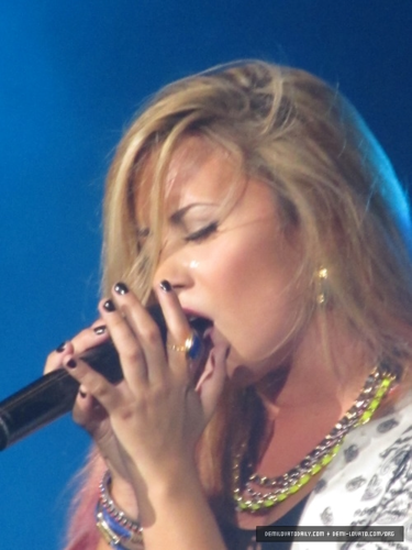 Demi - Summer Tour (2012) - PNC Bank Arts Center Holmdel, New Jersey - June 22, 2012