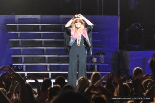 Demi - Summer Tour - Filene Center chó sói, sói Trap Vienna, VA - June 24, 2012