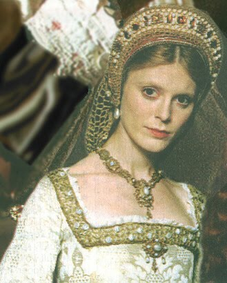 Emilia rubah, fox as Jane Seymour