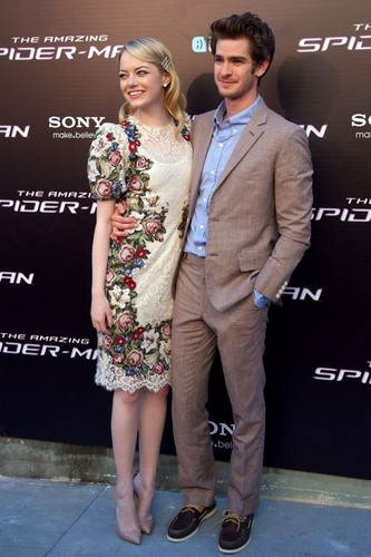 "Emma Stone, Andrew गारफील्ड and Rhys Ifans at the Spanish premiere of ""The Amazing Spider-Man"""
